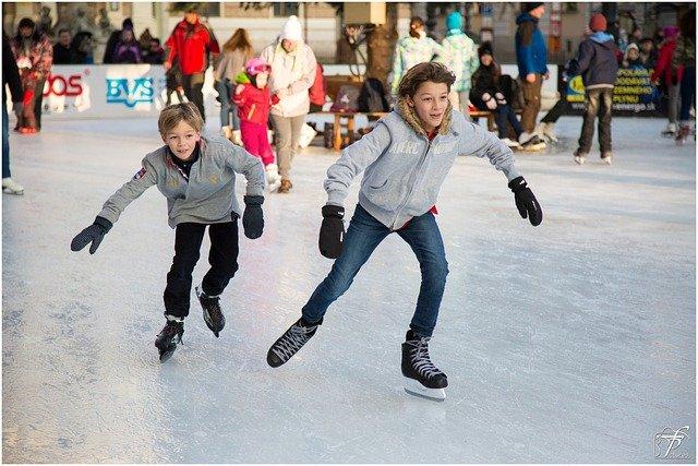 boys ice skating